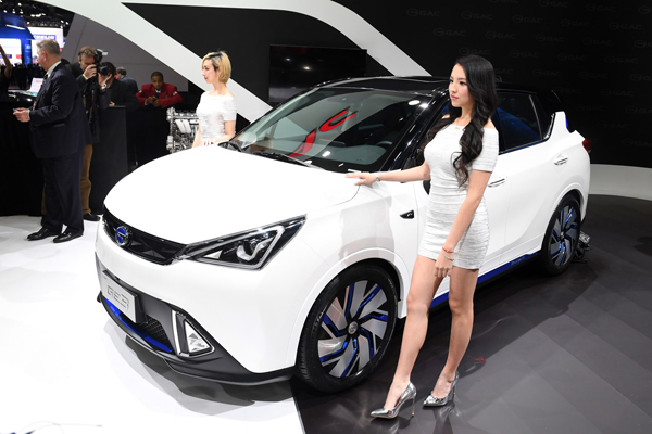 (170109) -- DETROIT, Jan. 9, 2017 (Xinhua) -- China's Guangzhou Automobile Group Motor (GAC Motor) makes debut of Trumpchi electric SUV GE3 during the 2017 North American International Auto Show (NAIAS) in Detroit, the United States, Jan. 9, 2017. (Xinhua/Yin Bogu)