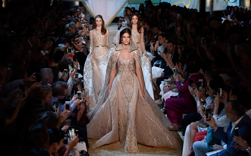 (170705) -- PARIS, July 5, 2017 (Xinhua) -- Models present creations of Elie Saab during the Haute Couture 2017/18 Fall/Winter collection shows in Paris, France, on July 5, 2017. (Xinhua/Piero Biasion)