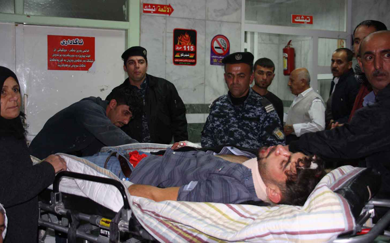 An earthquake victim is aided at Sulaimaniyah Hospital on November 12, 2017, in Sulaimaniyah, Iraq. Officials in Iran reports at least 30 dead and Iraqi officials 6. The US Geological Survey said the magnitude 7.3 temblor was centred 30kms (19 miles) southwest of Halabja, Iraq, near the border with Iran.  / AFP PHOTO / SHWAN MOHAMMED